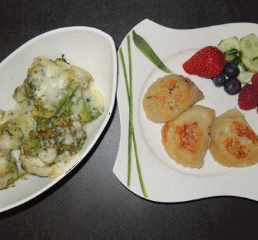Traditioneller Schönkrapf mit Tomaten/Mozzarella Salat